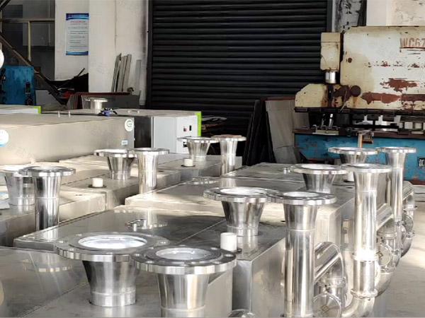 商场外置泵反冲洗型污水排放提升设备的控制方法